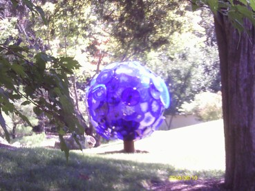 Big Blue ball of glass at the Chihuyl glass exhibit in Nashville.